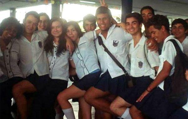 {altText(Los adolescentes difundieron el hashtag #VoudeSaia (