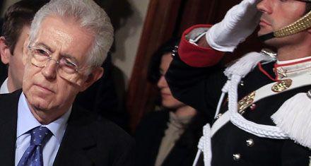 El presidente italiano encargó a Monti que forme nuevo gobierno