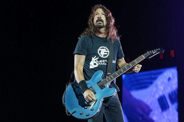 Dave Grohl cumple 25 años al frente de Foo Fighters.