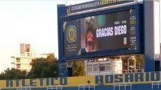 El homenaje a Diego Maradona en el autotrol del Gigante.