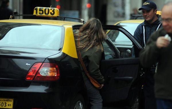 El servicio de taxis será normal el martes 31 en Rosario.