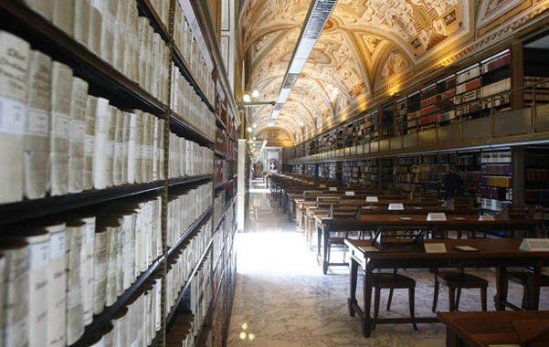 Un tesoro. En la lista aparecen documentos que datan desde los orígenes de la Iglesia hasta el siglo XX.