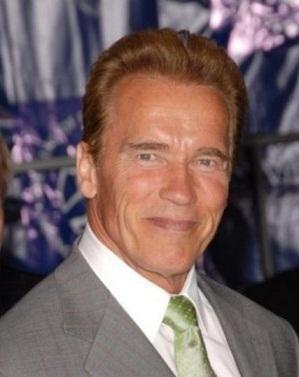 Schwarzenegger contrata a abogado que divorció a Jennifer Aniston