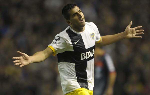 Facturó ante Tigre. Viatri clavó el segundo gol en el  triunfo frente al Matador.