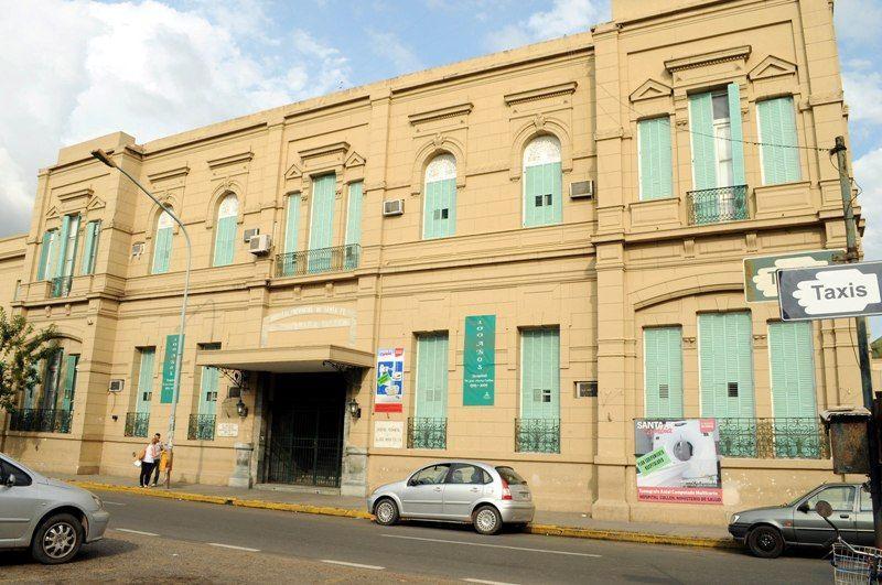 Ruiz sufrió una herida profunda en el tórax y murió mientras era asistido en el hospital provincial José María Cullen.