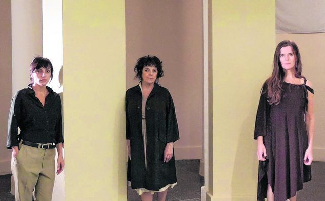 Antígonas en tres actos. Vilma Echeverría