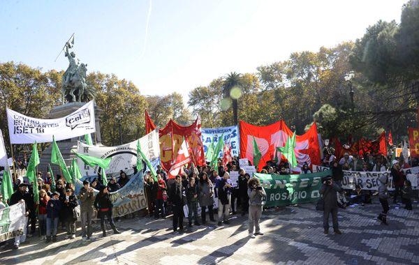 Los organizadores preparan cortes piquetes y una marcha previa al acto central.