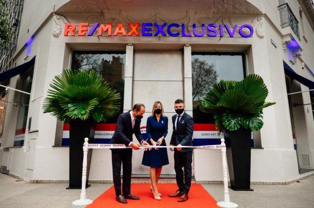 Desde Rosario, RE/MAX EXCLUSIVO inauguró un concept store que es vanguardia en el país