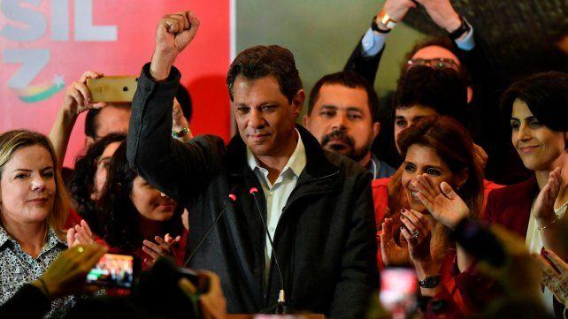 Caras. Haddad intentó mostrarse optimista en la sede central del PT en San Pablo