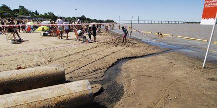 El Paraná podría bajar 15 centímetros más y extreman los controles