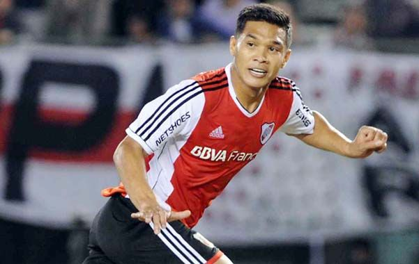 Teófilo Gutiérrez ingresará por el juvenil Lucas Boyé.