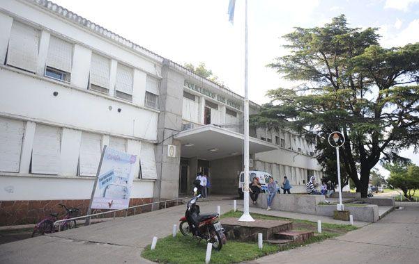 Preso. El asaltante estaba ayer internado y detenido en el hospital Eva Perón.