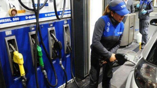 Nuevo aumento de los combustibles: YPF sube la nafta 1,5 por ciento desde hoy