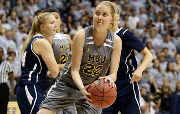 Un ejemplo. Lauren en un partido de la liga universitaria