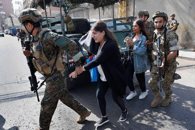 El ejército libanés intervino para dar fin a los combates y tratar de proteger a los civiles atrapados en el fuego cruzado.