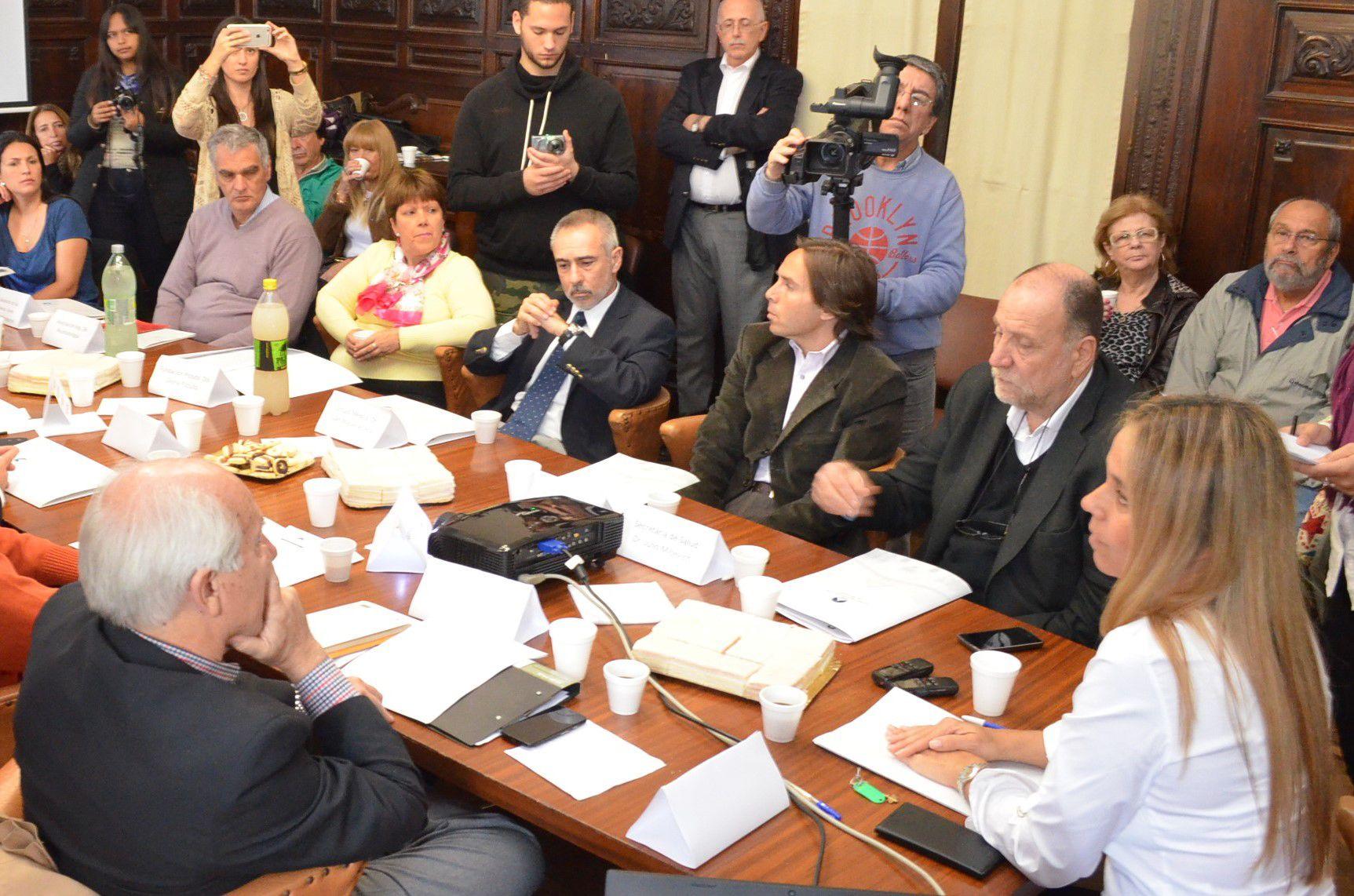 Cónclave. La concejala Daniela León impulsó la reunión en el Concejo.