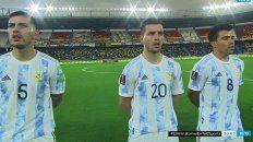 Gio Lo Celso en Barranquilla, en el momento en que la selección entonaba las estrofas del Himno Nacional.