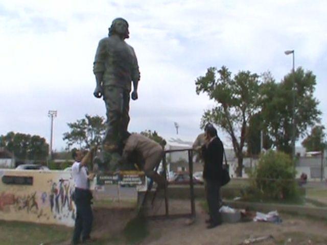 Piden el esclarecimiento del ataque a la estatua del Che Guevara