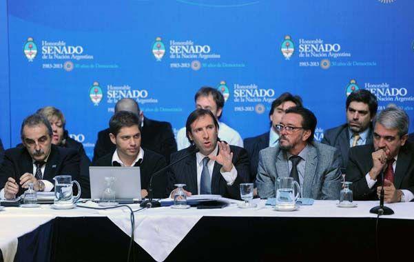El equipo. El plantel de funcionarios del área económica discutió el blanqueo en el plenario de comisiones del Senado.