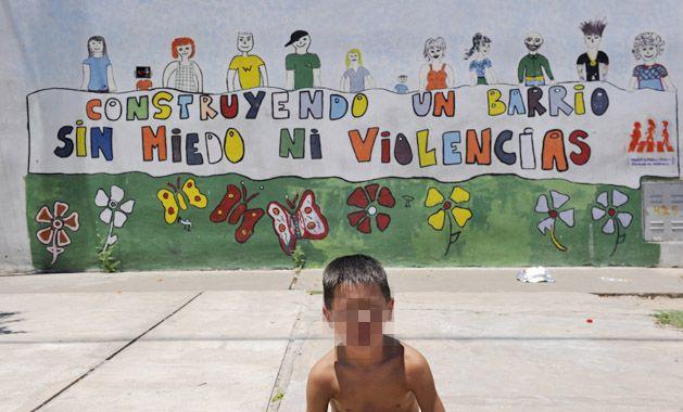 Varios murales expresan en las paredes de barrio Ludueña el deseo de sus habitantes. (Foto: C. M. Lovera)