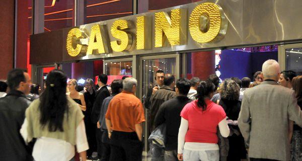 Ghirardi confirmó que boliches y casinos abren el sábado pero no podrán vender alcohol