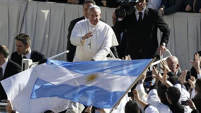 El Papa añoró la época en la que iba con su familia a la cancha.