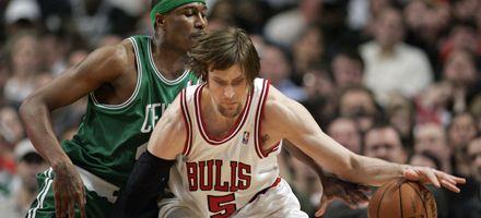 Bulls derrotan 101 a 98 a Cleveland con 15 puntos del Chapu Nocioni