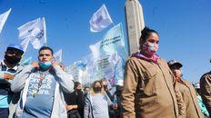 Desde los movimientos sociales se muestran escépticos sobre la iniciativa del gobierno para reconvertir planes sociales en empleo formal.