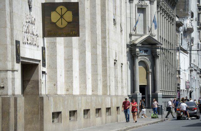 Pedido al Banco de Santa Fe