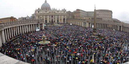 El Papa pidió por la paz en el Tíbet e Irak en el mensaje de Pascua