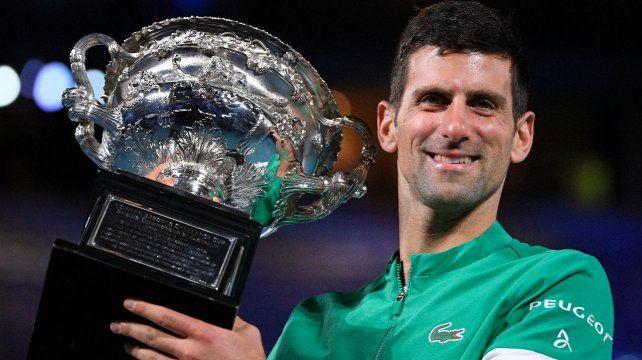 Djokovic aplastó en tres sets a Medvedev y se consagró campeón del Abierto de Australia