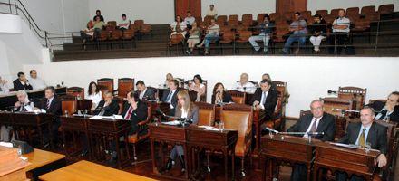 Concejo: el aumento de las tasas fue aprobado por la mayoría socialista