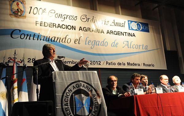 El presidente de Federación Agraria abrió el congreso número cien de la entidad. Va por la reelección y enfrenta a De Angeli.
