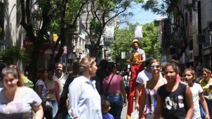 Una postal de cuando calle San Luis se convirtió en peatonal.