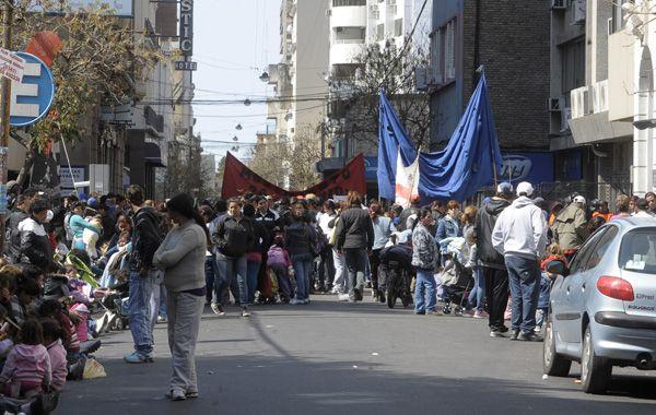 Una de las últimas protestas en el microcentro rosarino. Los vecinos dicen que viven perturbados.