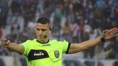 En acción. Andrés Gariano, rosarino por adopción, tendrá su bautismo como árbitro principal en la primera división en el partido entre Patronato y Aldosivi en Paraná.