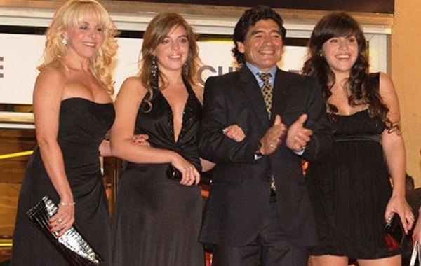 No hay nada más lindo que la familia unida. Los Maradona