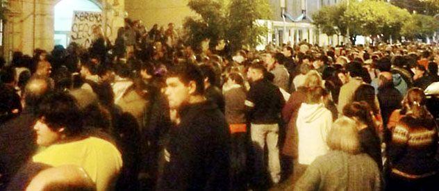 Los pobladores de Cañuelas realizaron movilizaciones frente al municipio y comisarías.