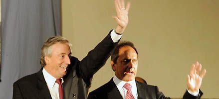 Aspero debate por la idea de K de colocar a Scioli como candidato