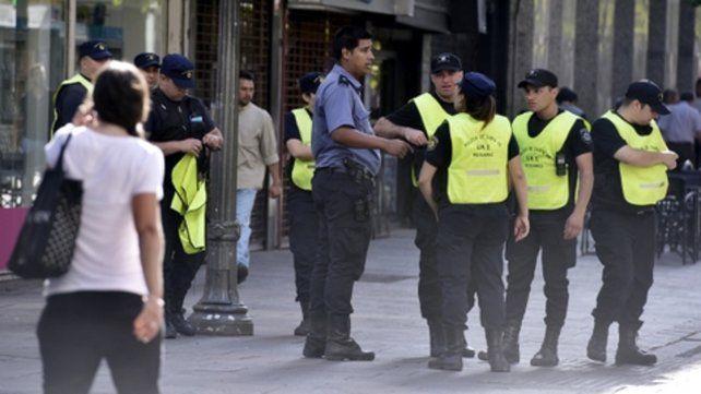 desde el centro. Los comerciantes denuncian un estado de acefalía en la policía local.