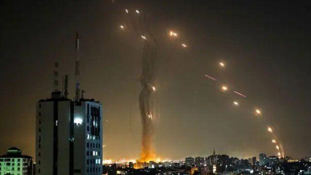 Cómo funciona la cúpula de hierro, el sistema defensivo israelí que intercepta cohetes