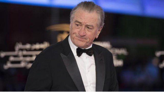 Robert De Niro demandó a una exempleada por mirar Friends y gastar sus millas