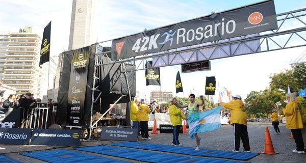 Emblema. La prueba de 42 kilómetros ya es un símbolo del deporte rosarino.