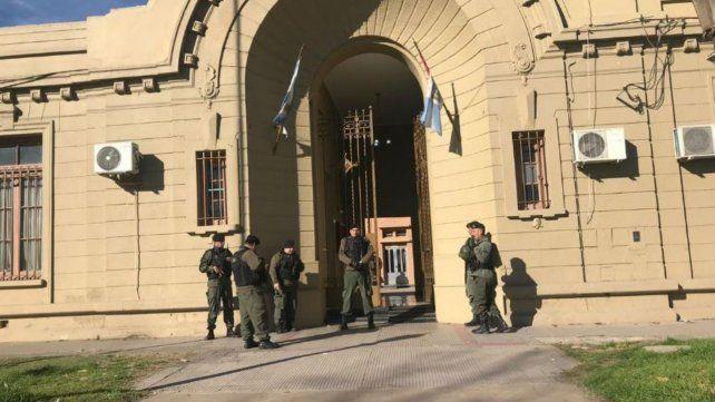 Gendarmería allanó la sede de la Alcaidía de San Lorenzo debido a las irregularidades que había con los presos.