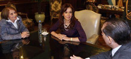 Molina le pidió a Cristina por la   libertad de viajar para los cubanos