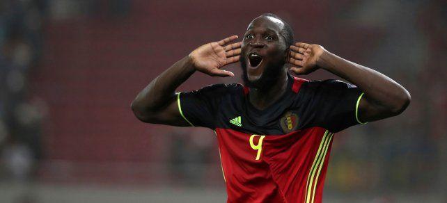 Romelu Lukaku logró el gol de la victoria y la clasificación de Bélgica.