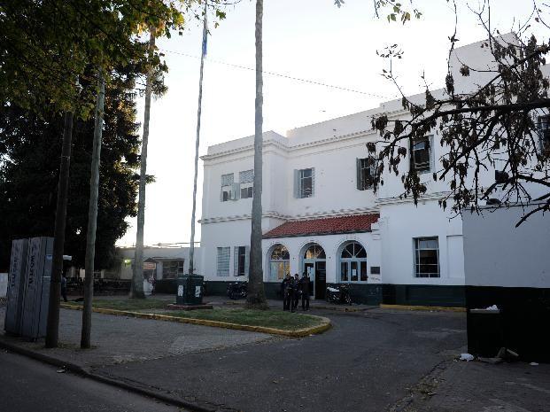 El joven fue llevado a las 2.40 al Hospital Roque Sáenz Peña.