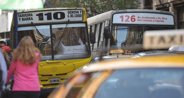 El Ejecutivo municipal envió el aumento del boleto de colectivo y de la tarifa de taxis