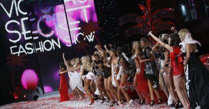Sensual, histórico y espectacular desfile de la lencería Victoria`s Secret en Miami