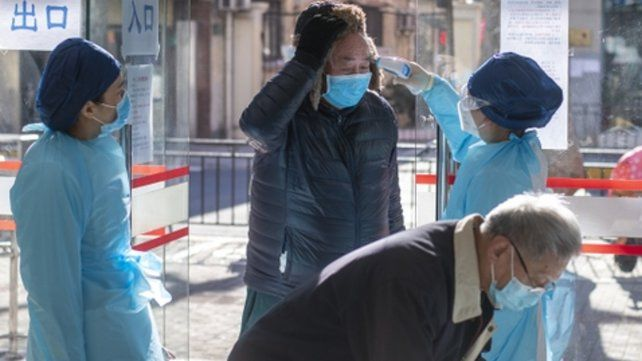 china. En las últimas 72 horas el país asiático registró 2.051 casos nuevos